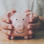 L'aide de 900€ mensuelle pour les salariés précaires prolongée jusqu'à mai