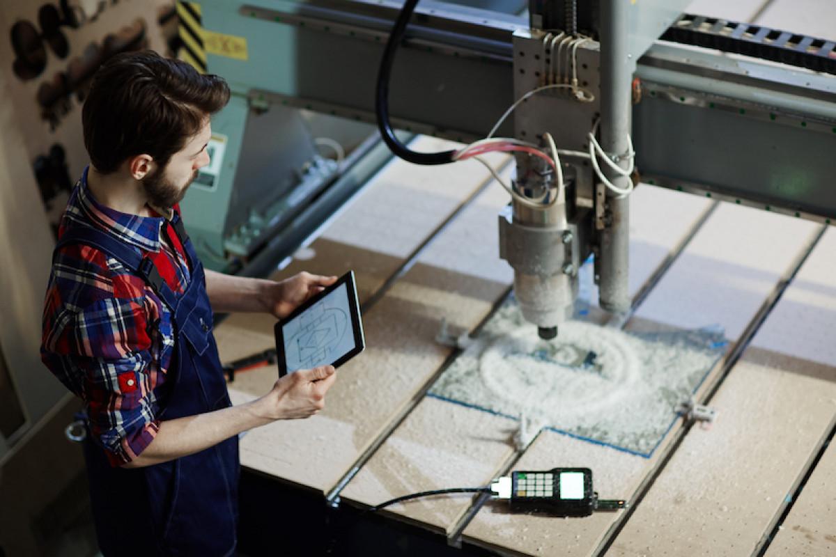 Zoom sur : le métier d'opérateur(trice) sur machine à commande numérique